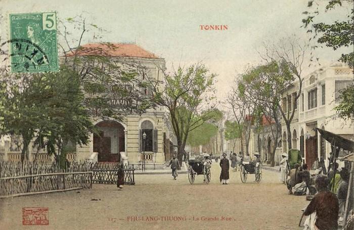 Khu vực trung tâm thị xã Phủ Lạng Thương khoảng năm 1910.